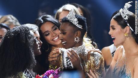 การคว้าแชมป์ครั้งประวัติศาสตร์ของ Miss Universe ช่วยเปลี่ยนสถานะเดิมสำหรับมาตรฐานความงามได้อย่างไร