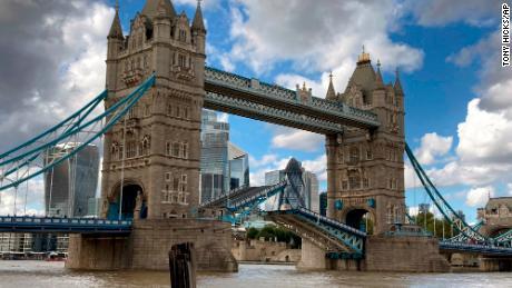 London's Tower Bridge gets stuck open, causing traffic chaos