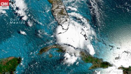 พายุโซนร้อนแซลลีก่อตัวในอ่าวเม็กซิโก