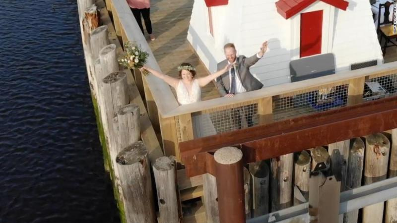 A couple got married at the US-Canada border so guests from both countries could attend despite coronavirus restrictions