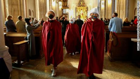 Polish women disrupt church services to protest abortion ban