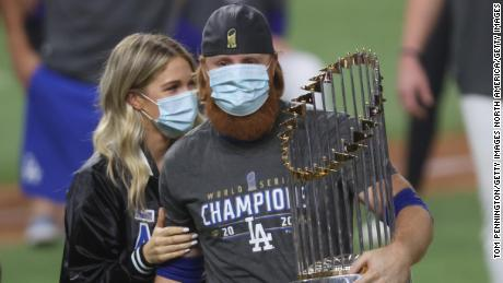 MLB clears Justin Turner for World Series celebration after positive coronavirus test