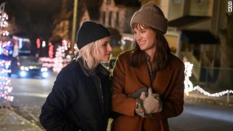 Kristen Stewart and Mackenzie Davis in 'Happiest Season on Hulu.
