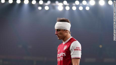 David Luiz ได้รับอนุญาตให้ดำเนินการต่อ แต่ถูกเปลี่ยนตัวออกในช่วงครึ่งเวลา