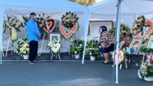 Los Angeles woman whose mom died of Covid-19 had to hold the funeral in a parking lot