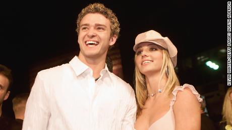 Britney Spears (right) and then boyfriend Justin Timberlake (left) arrive at the premiere of their film & quot;  Intersection & quot;  On February 11, 2002, at the Mann Chinese Theater in Hollywood.