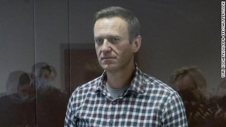 Alexey Navalny remains in prison while the court rejects his appeal.  Then he is fined $ 11,500 in case of defamation