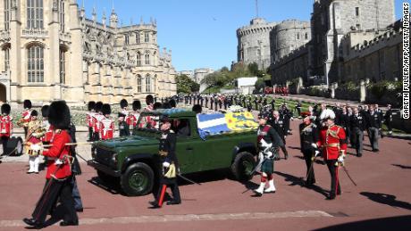 The procession advances toward St. George's Chapel.