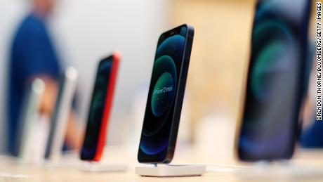 Apple just had a massive quarter thanks to the 5G iPhone
