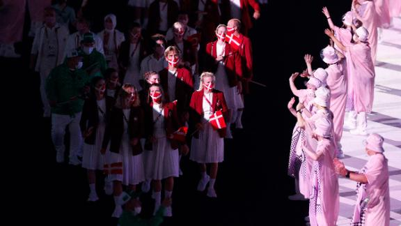 Athletes from Team Norway take part in the parade of nations.