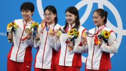 China breaks world record in women's 4x200-meter freestyle relay 2