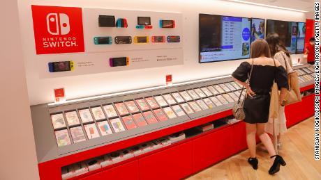 Nintendo Switch sales drop as pandemic hot streak hits