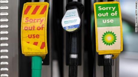 Brits line up for gas as BP closes some service stations