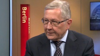 Βέβαιος ο Ρέγκλινγκ ότι το ΔΝΤ θα παραμείνει στο ελληνικό πρόγραμμα