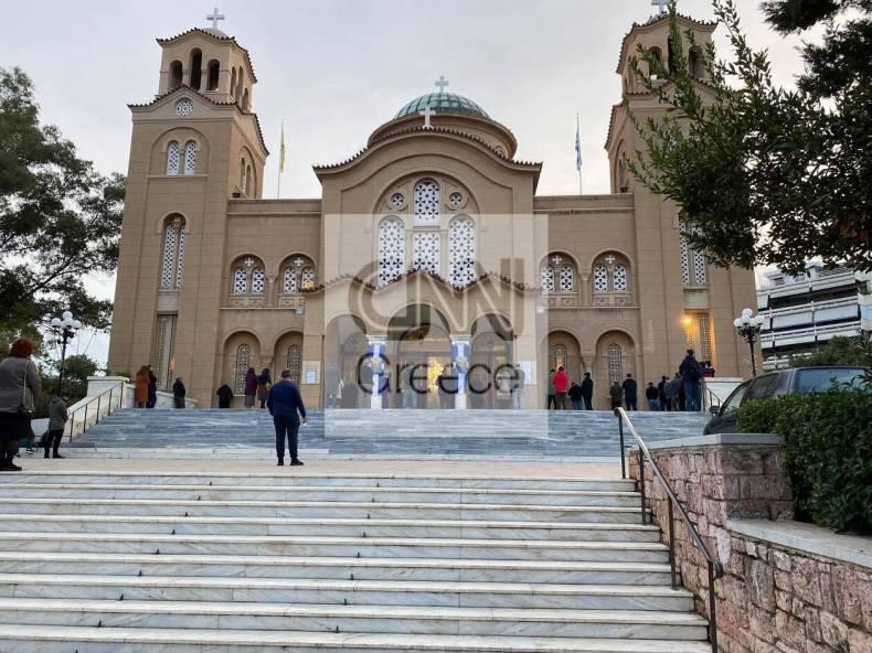 https://cdn.cnngreece.gr/media/news/2021/01/06/249522/photos/snapshot/nea-smyrnh-ekklhsia-1.jpg