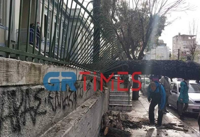 https://cdn.cnngreece.gr/media/news/2021/01/12/250285/photos/snapshot/thessaloniki-3.jpg