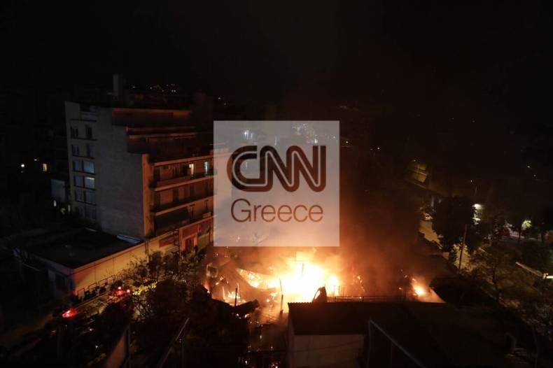 https://cdn.cnngreece.gr/media/news/2021/01/15/250633/photos/snapshot/fwtia-liosiwn-megalh-apothiki-7.jpg