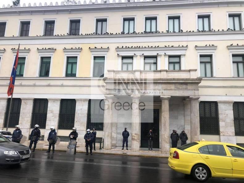 https://cdn.cnngreece.gr/media/news/2021/02/01/252811/photos/snapshot/diamartyria-lofos-strefi-4-1.jpg