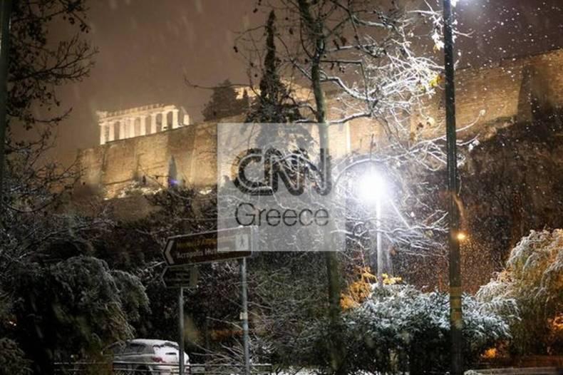 https://cdn.cnngreece.gr/media/news/2021/02/16/254706/photos/snapshot/athina-hionia-804447490140023_276636048884227005_n.jpg