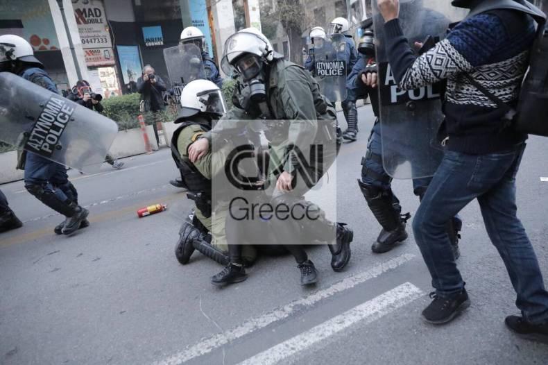 https://cdn.cnngreece.gr/media/news/2021/02/19/255206/photos/snapshot/sygkentrosi-gia-koufontina-2.jpg