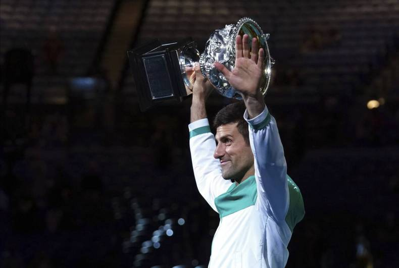 https://cdn.cnngreece.gr/media/news/2021/02/21/255387/photos/snapshot/Djokovic-nikh-australian-open.jpg