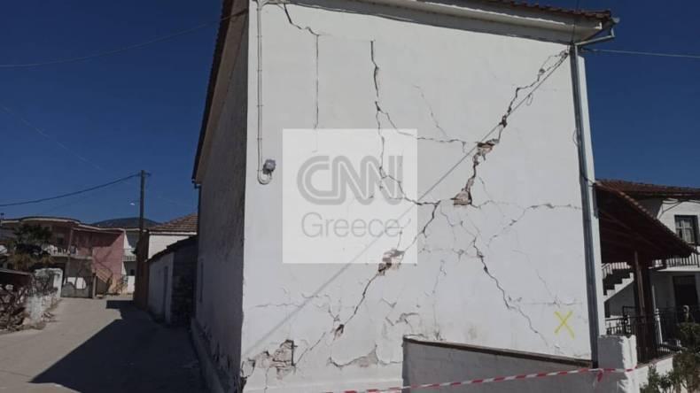 https://cdn.cnngreece.gr/media/news/2021/03/04/256905/photos/snapshot/seismos-mesochori-12.jpg