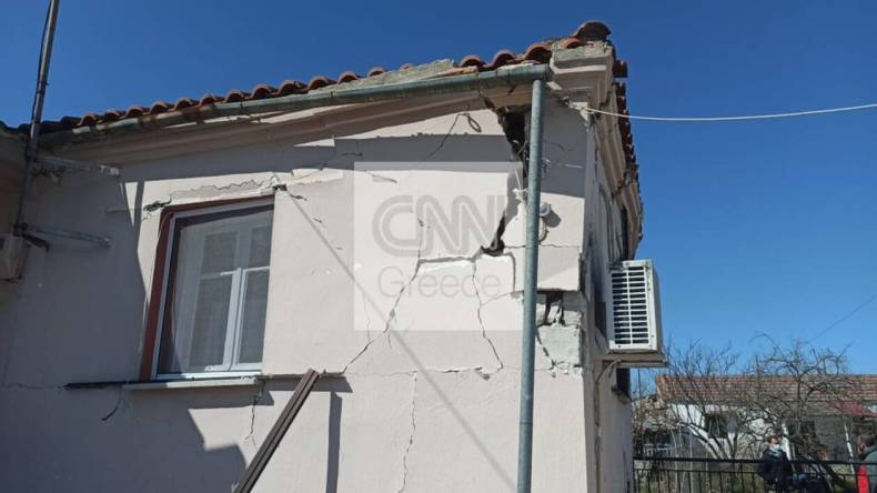 https://cdn.cnngreece.gr/media/news/2021/03/04/256905/photos/snapshot/seismos-mesochori-3.jpg