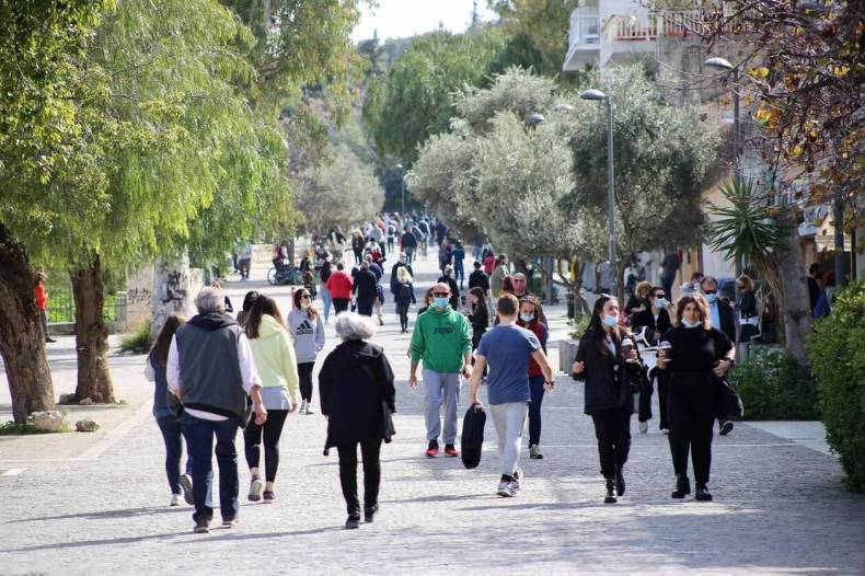 https://cdn.cnngreece.gr/media/news/2021/03/06/257123/photos/snapshot/lockdown_athinaioi_volta-2.jpg