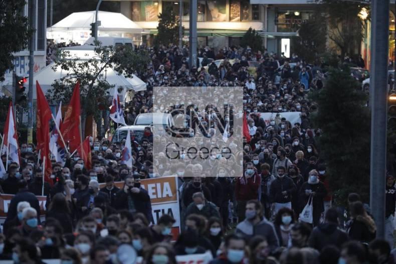https://cdn.cnngreece.gr/media/news/2021/03/09/257580/photos/snapshot/nea-smyrni-12.jpg