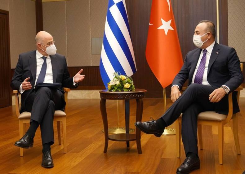 https://cdn.cnngreece.gr/media/news/2021/04/15/262270/photos/snapshot/erdogan-dendias-tsavousoglou-24052230.jpg