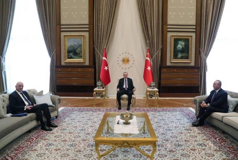 https://cdn.cnngreece.gr/media/news/2021/04/15/262270/photos/snapshot/erdogan-dendias-tsavousoglou-24052523.jpg
