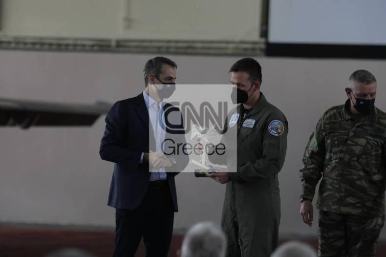 https://cdn.cnngreece.gr/media/news/2021/04/20/262860/photos/snapshot/175533916_1185353451903919_6412708543246665631_n.jpg