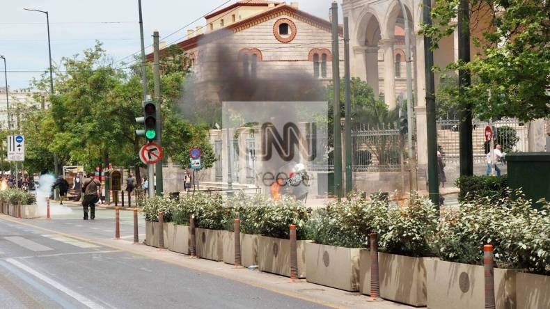 https://cdn.cnngreece.gr/media/news/2021/05/06/264766/photos/snapshot/Molotov.jpg