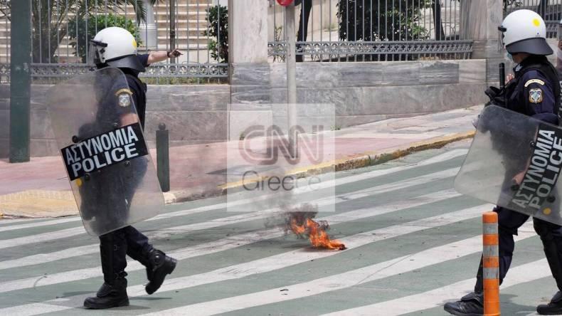 https://cdn.cnngreece.gr/media/news/2021/05/06/264766/photos/snapshot/molotov4.jpg