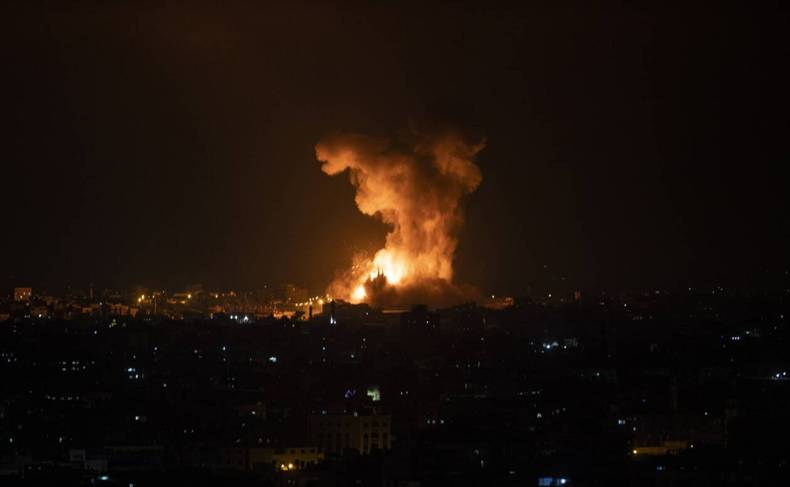 https://cdn.cnngreece.gr/media/news/2021/05/12/265622/photos/snapshot/gaza-3-88.jpg