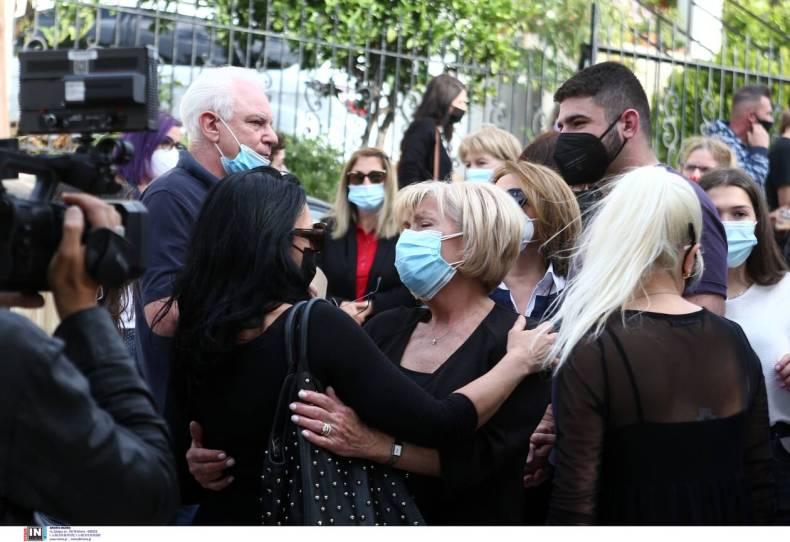 https://cdn.cnngreece.gr/media/news/2021/05/16/266089/photos/snapshot/karaivaz-3173117.jpg
