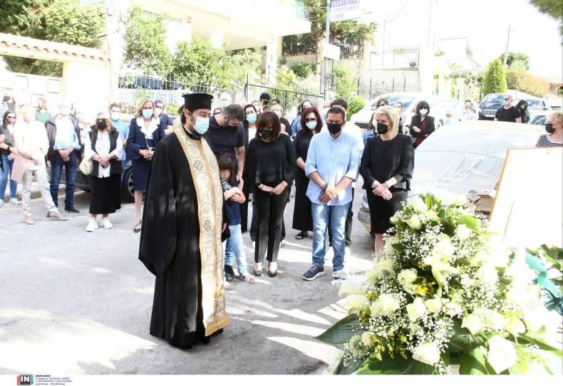 https://cdn.cnngreece.gr/media/news/2021/05/16/266089/photos/snapshot/karaivaz-3173121.jpg