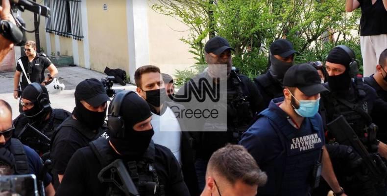 https://cdn.cnngreece.gr/media/news/2021/06/18/270684/photos/snapshot/pilotos3.jpg
