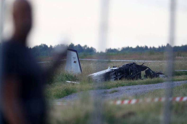https://cdn.cnngreece.gr/media/news/2021/07/09/273402/photos/snapshot/Sweden-Plane-Crash-2.jpg