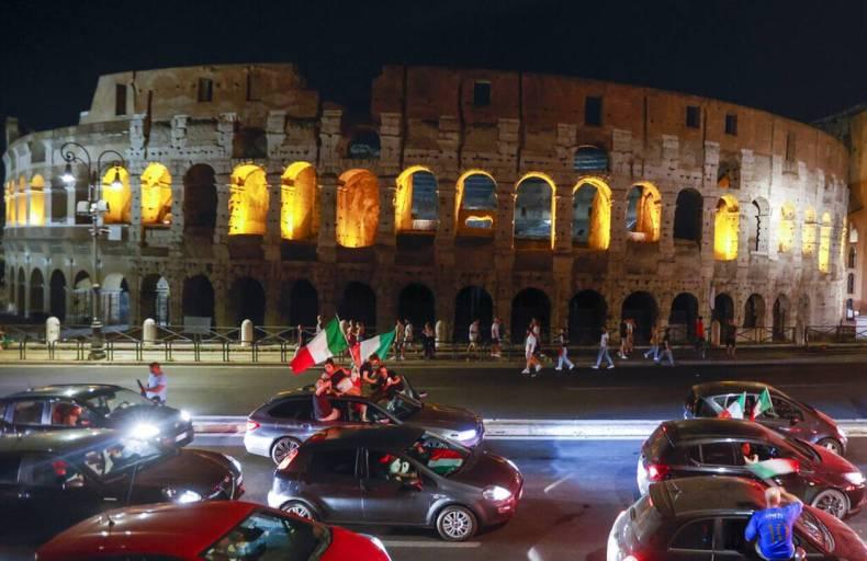 https://cdn.cnngreece.gr/media/news/2021/07/12/273734/photos/snapshot/italia_euro-4.jpg