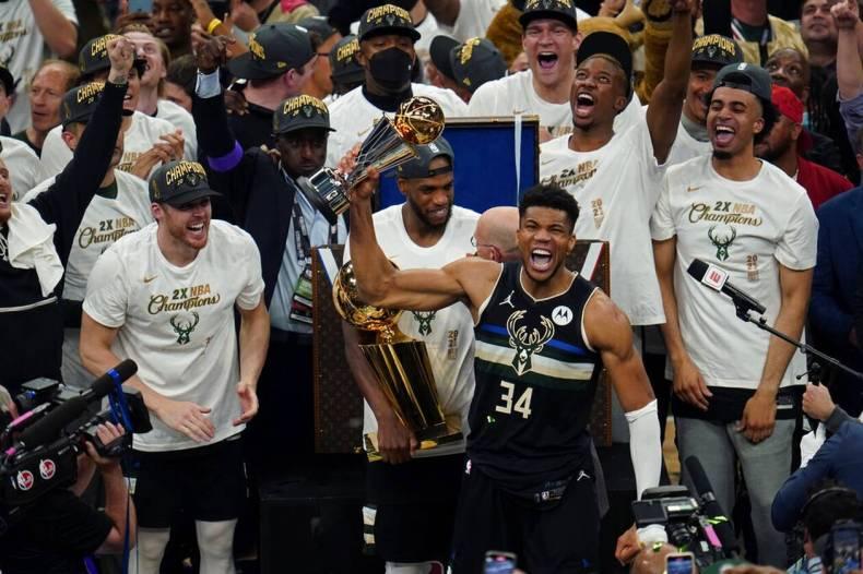 https://cdn.cnngreece.gr/media/news/2021/07/21/274924/photos/snapshot/MPAKS-NBA-TELIKOS-13.jpg