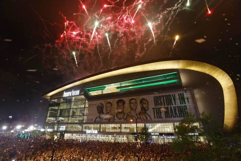 https://cdn.cnngreece.gr/media/news/2021/07/21/274924/photos/snapshot/MPAKS-NBA-TELIKOS-2.jpg