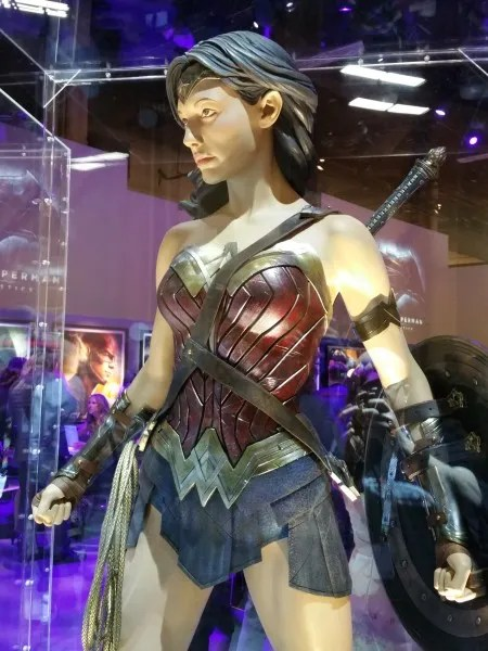 batman-v-superman-wonder-woman-costume-image