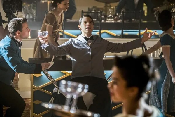 the-flash-musical-episode-duet-carlos-valdes