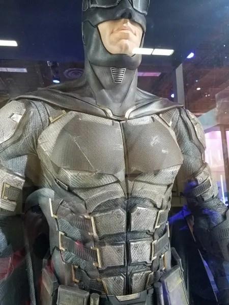 justice-league-batman-costume-new