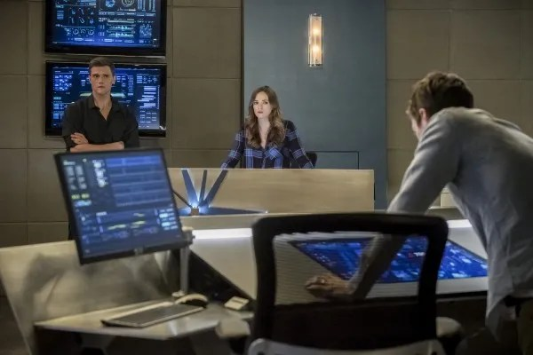 the-flash-season-4-run-iris-image-14