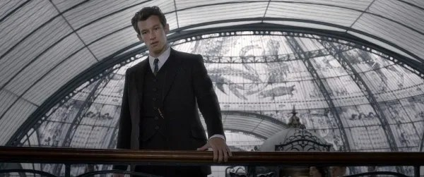 fantastic-beasts-the-crimes-of-grindelwald-callum-turner
