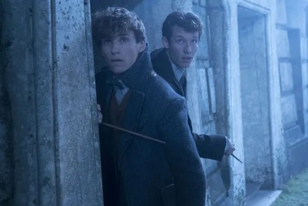 fantastic-beasts-the-crimes-of-grindelwald-eddie-redmayne-callum-turner