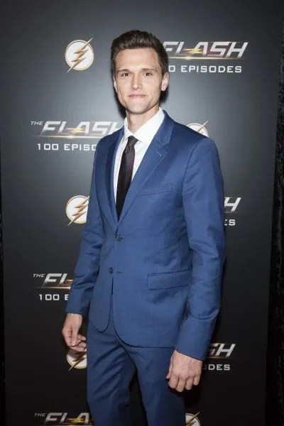 the-flash-100th-episode-red-carpet-images-8