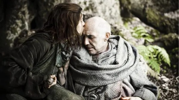 game-of-thrones-maester-luwin-death